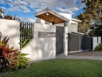 Front fence Ormiston